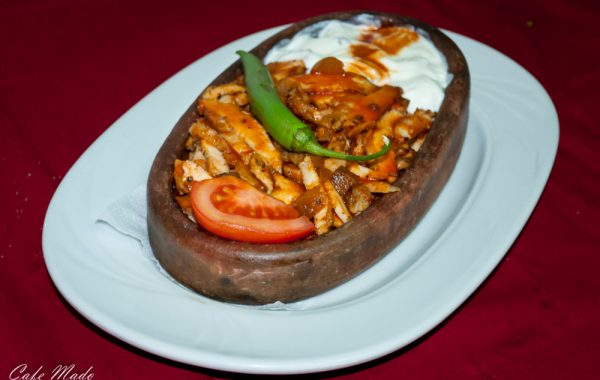 Iskender of chicken meat